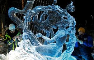 一起来欣赏这些美丽的冰雕作品!