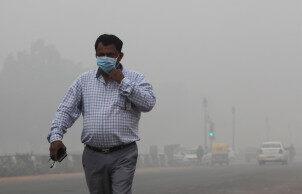 印度德里雾霾污染严重 相当于每天吸33支烟