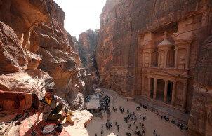 世界新七大奇迹之一:约旦佩特拉古城,隐藏在石头里的神秘古城!