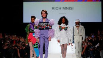 2020柏林秋冬时装周启动 南非设计师携新品亮相