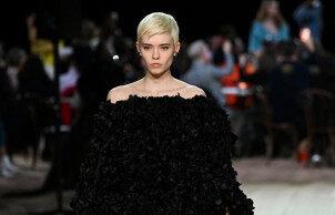 绽放于纽约时装周的鲜艳色彩